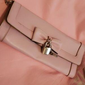 Hot Kiss blush pink clutch